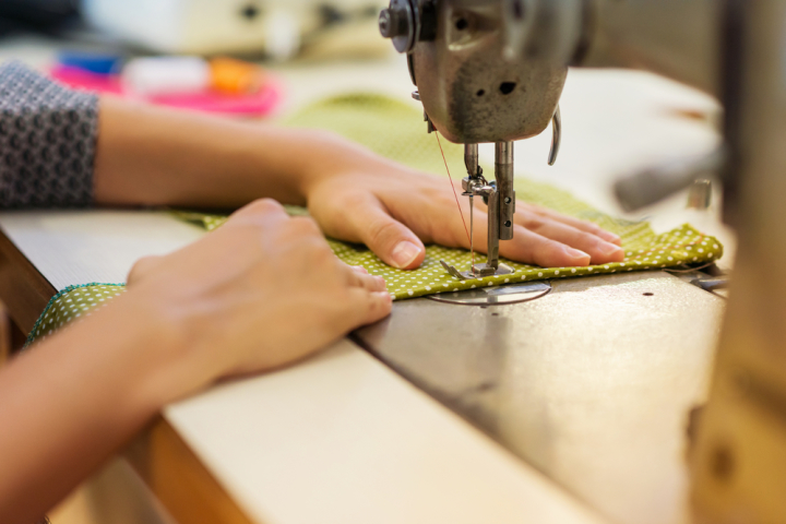 how to choose right clothing manufacturer